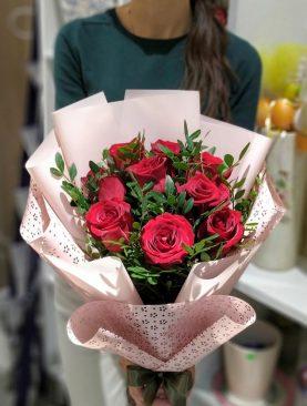 9 страстных красных РОЗ