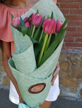 Очаровательные пионовидные тюльпаны