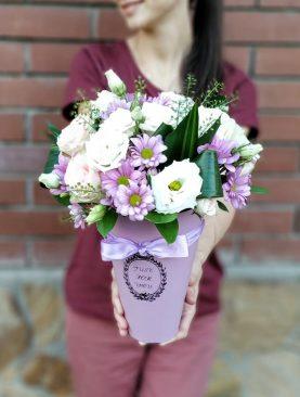 Цветы в конусах