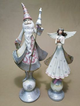 Дед мороз и дочь его снегурка